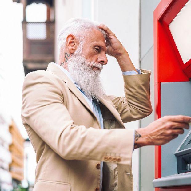 ¿Qué tengo que hacer cuando el cajero automático no me da el dinero?