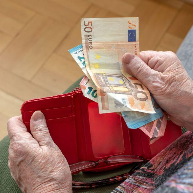 Dinero en efectivo mayores