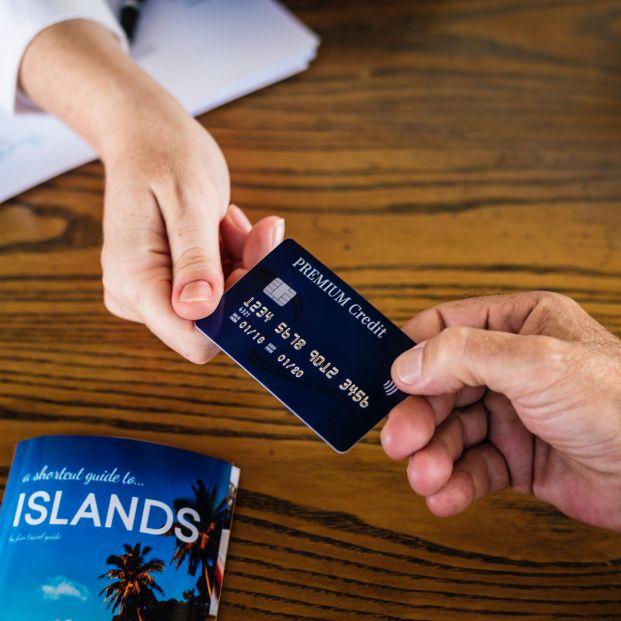 Cómo utilizar bien la tarjeta de crédito y de débito.