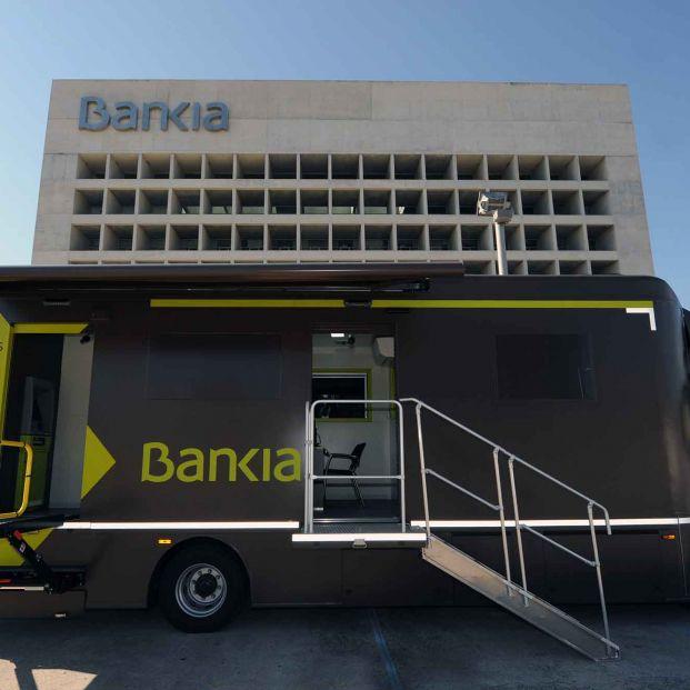 Los 12 ofibuses de Bankia dan servicio a 373 pequeños municipios en riesgo de exclusión financiera