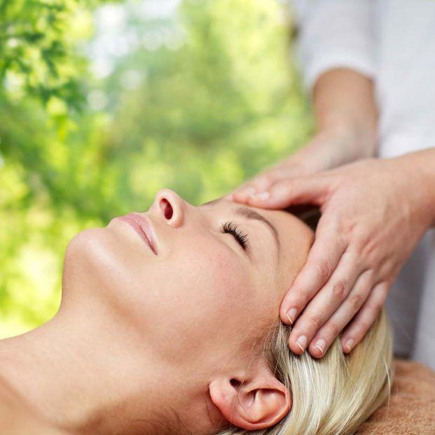 En qué consiste la terapia cráneo-sacral (Bigstock)