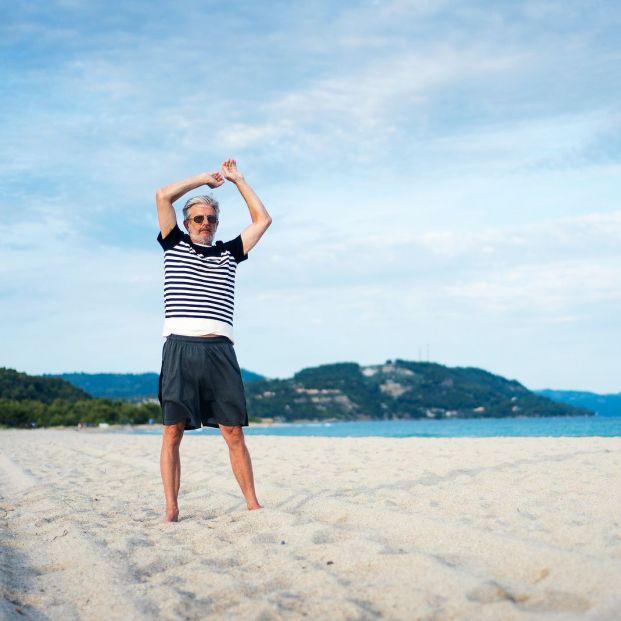 Ejercicios y estiramientos para hacer en la playa