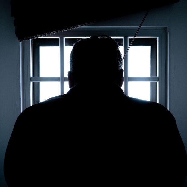 Los mayores en la cárcel, un colectivo en aumento que entra cada vez con más edad