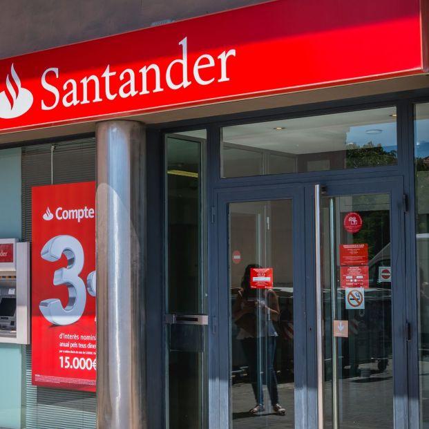 El Banco Santander cierra este viernes 200 oficinas y plantea clausurar un total de 1.150