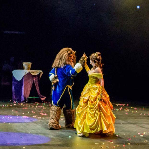 Musical de La Bella y la Bestia en teatro.