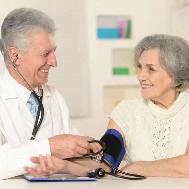¿Qué ejercicios deben evitar las personas hipertensas?