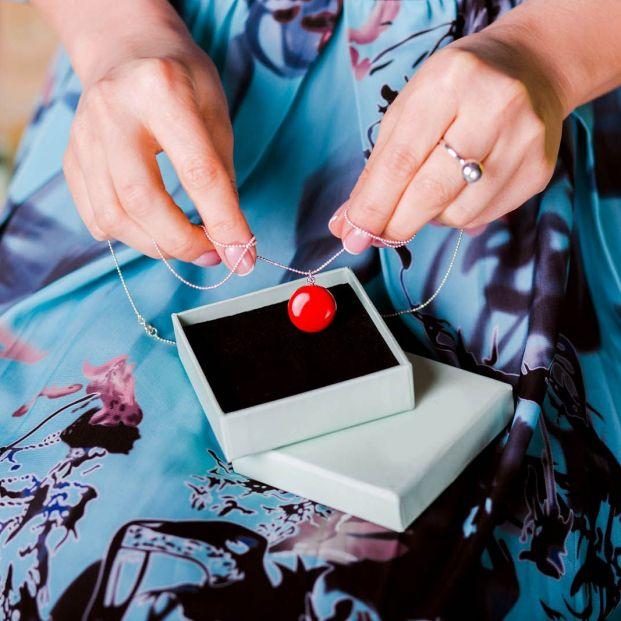 Cómo cuidar tus joyas para luzcan como el primer día que las compraste
