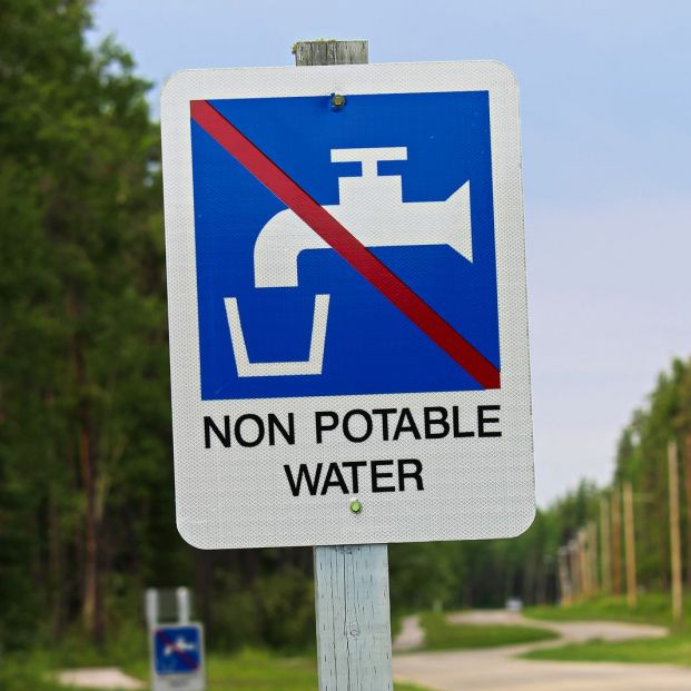 ¿Qué ocurre si bebes agua no potable?
