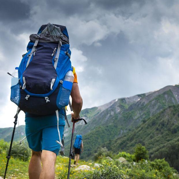¿Qué zapatillas utilizo para una excursión por el campo? (Bigstock )