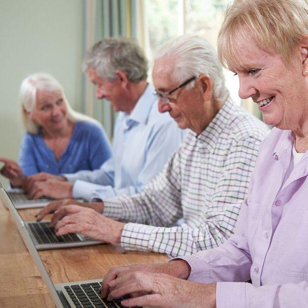 Día de Internet: apúntate al webinar 'Las personas mayores en la Sociedad Digital, un derecho'
