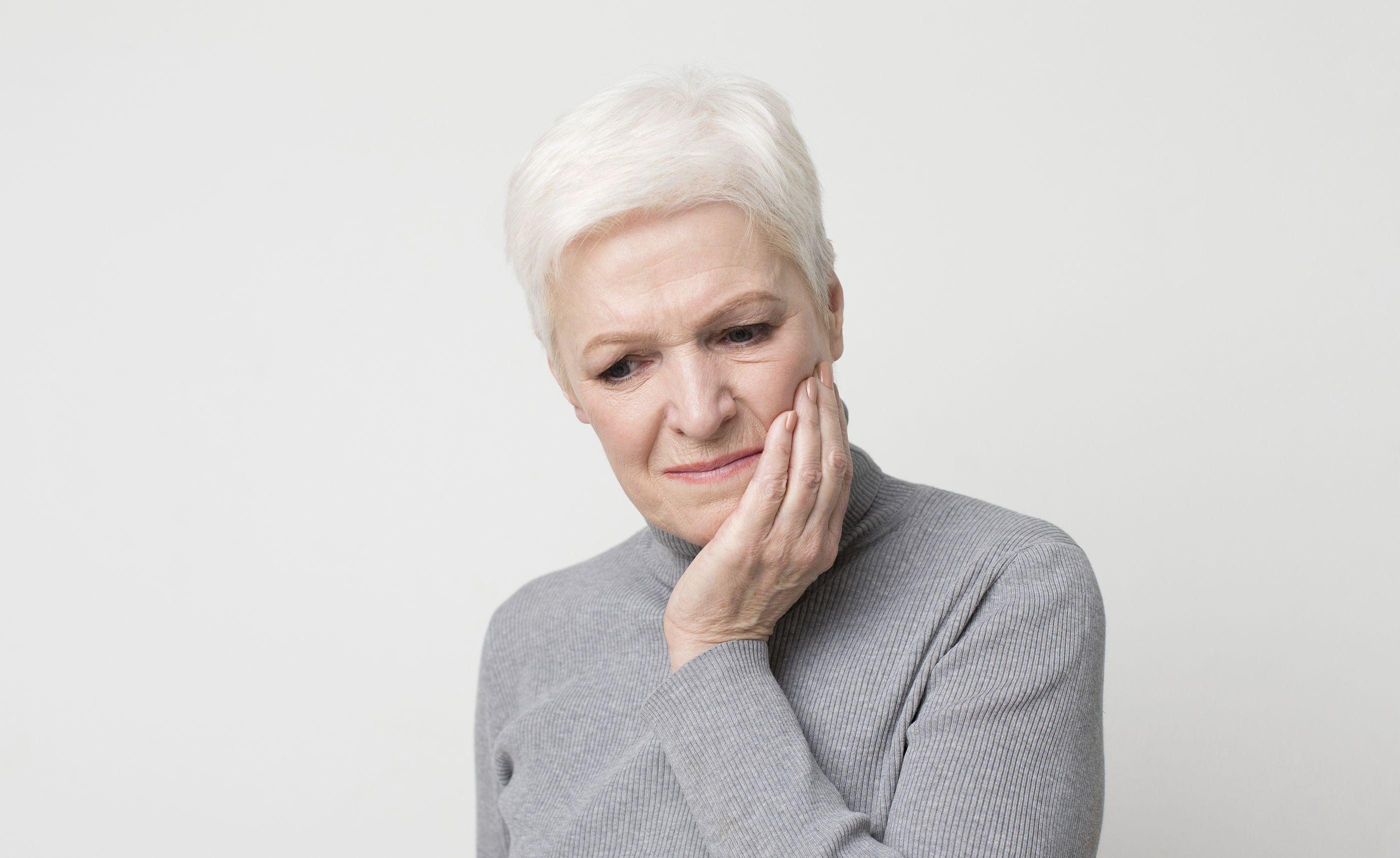 10 rimedi casalinghi per alleviare il temuto mal di denti
