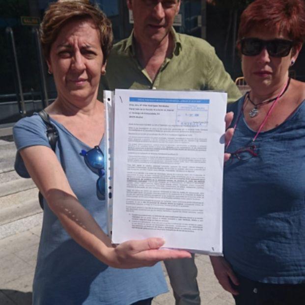 Familiares de residencias gestionadas por Aralia acuden a la Fiscalía para denunciar irregularidades