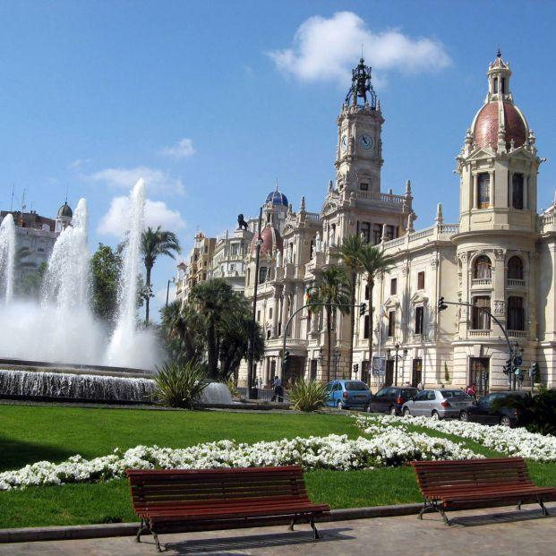 El 20 de marzo la plaza del Ayuntamiento de Valencia se abrirá definitivamente a los peatones