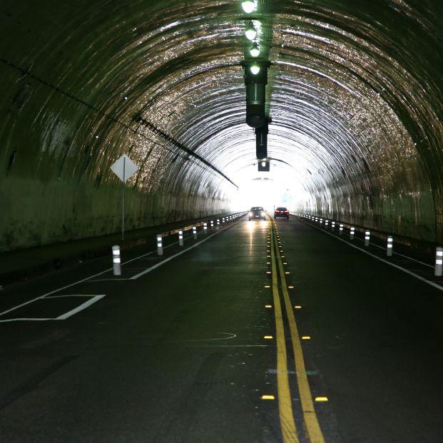 """La DGT advierte en un vídeo sobre los peligros del """"efecto túnel"""""""