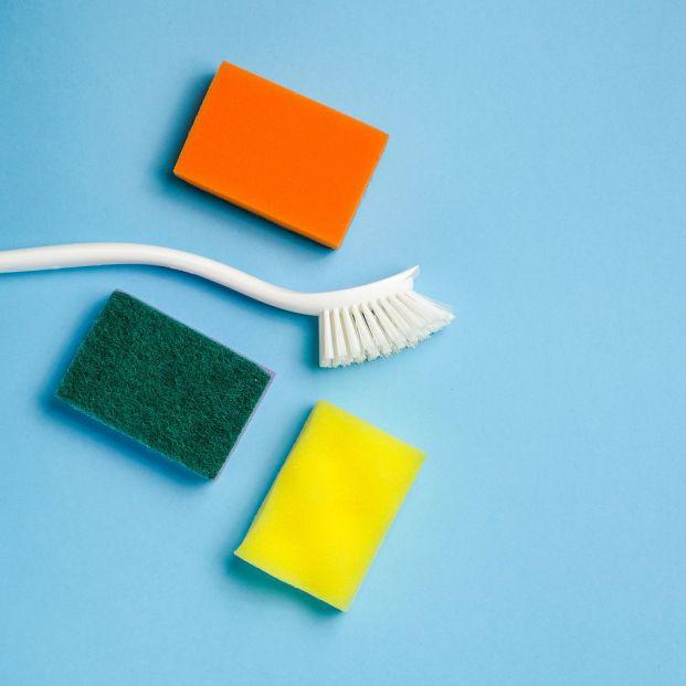 Cómo desinfectar las bayetas y los estropajos usados