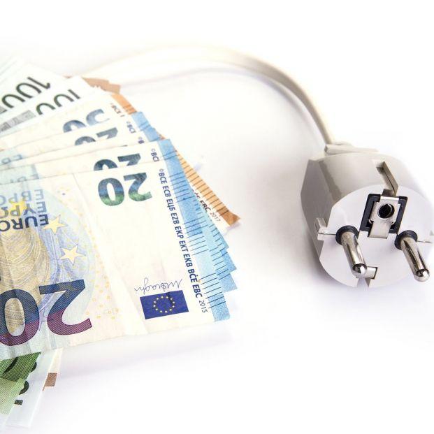 La tarifa eléctrica ahorrará 21 euros anuales, pero penalizará a los de discriminación horaria
