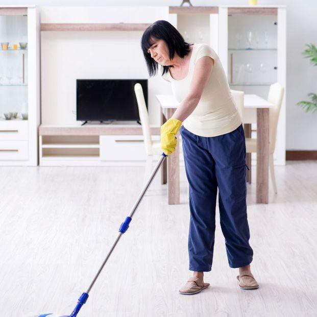 Aprovecha mientras haces las tareas del hogar para mantenerte en forma sin esfuerzo