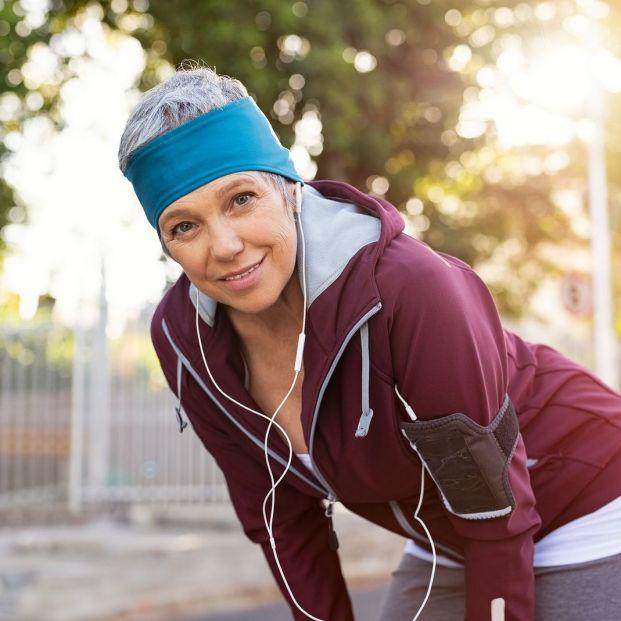¿Qué es el reposo activo? Los mejores consejos para favorecer la recuperación de tu cuerpo (Big stock)