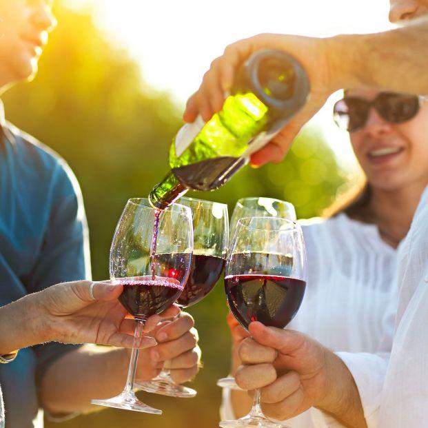 Para qué puede ser buena una copa de vino al día