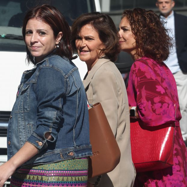 El equipo negociador del PSOE (Adriana Lastra, Carmen Calvo y María Jesús Montero)