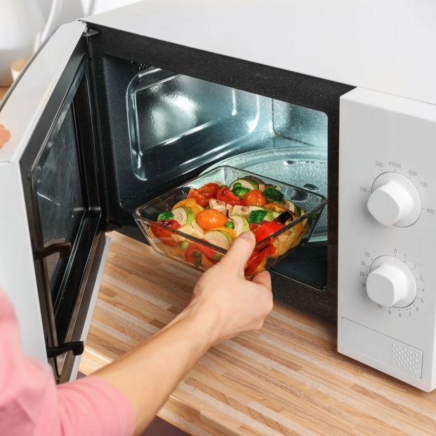 ¿Cómo puedes hacer recetas de cocina utilizando solo el microondas?
