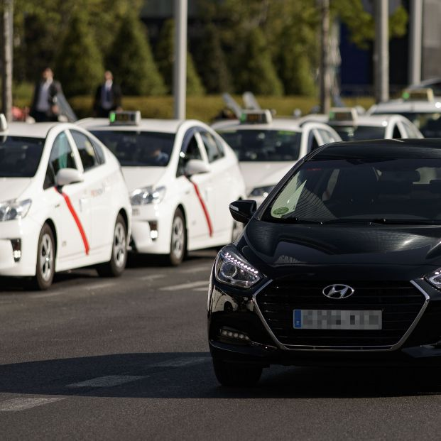 Los taxistas lanzarán en octubre una App para competir con Uber y Cabify