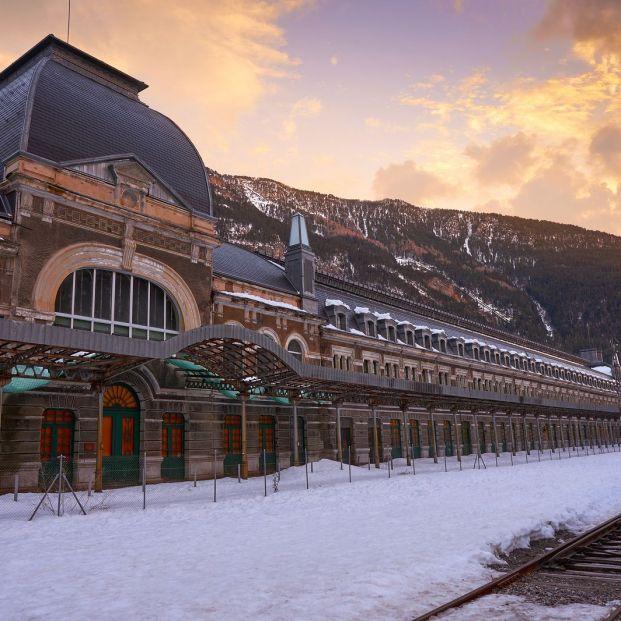 Las estaciones de tren más bonitas de España; Estación de Canfranc