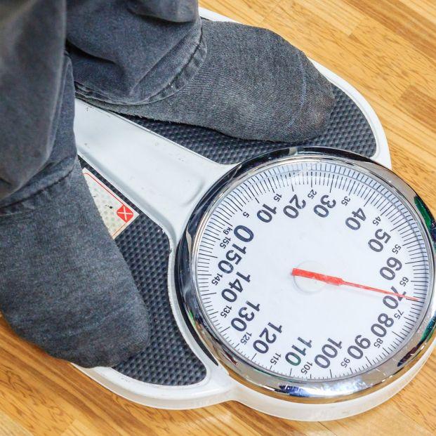 Dolor en el talón del pie en el caso de personas mayores: ¿a qué puede deberse esta molestia?