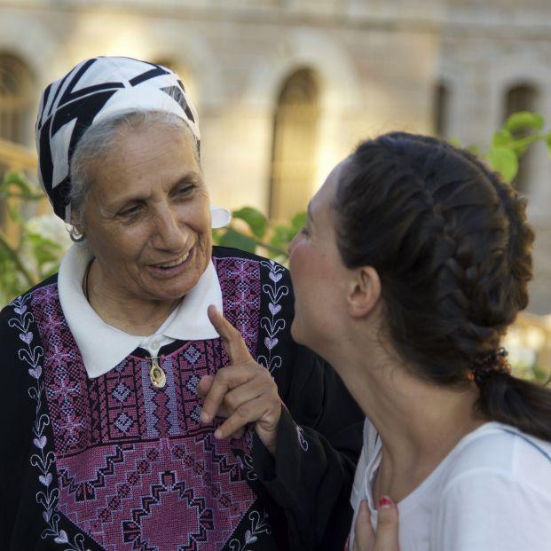 La historia de perdón de la septuagenaria palestina Myriam narrada por una joven española