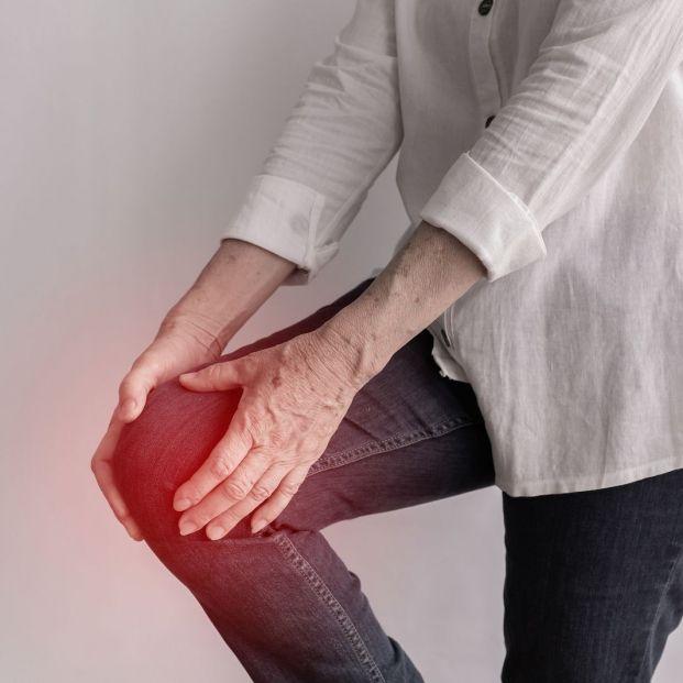 ¿Qué es la condromalacia rotuliana y cómo afecta a las personas mayores?