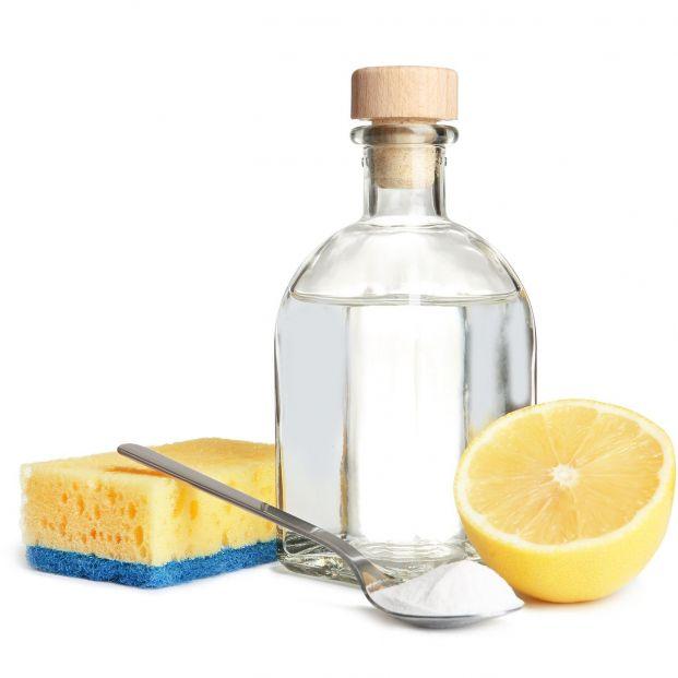 Cómo hacer un limpiador casero efectivo contra la grasa de la cocina