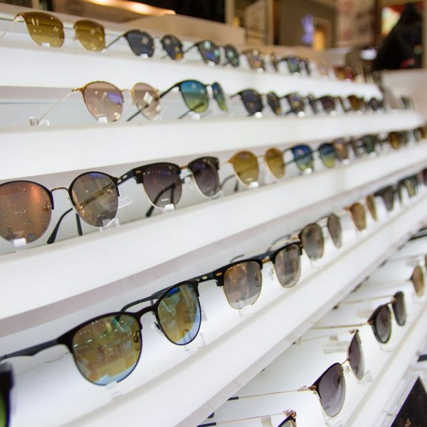 Las gafas de sol graduadas, ¿cómo funcionan? (Bigstock )