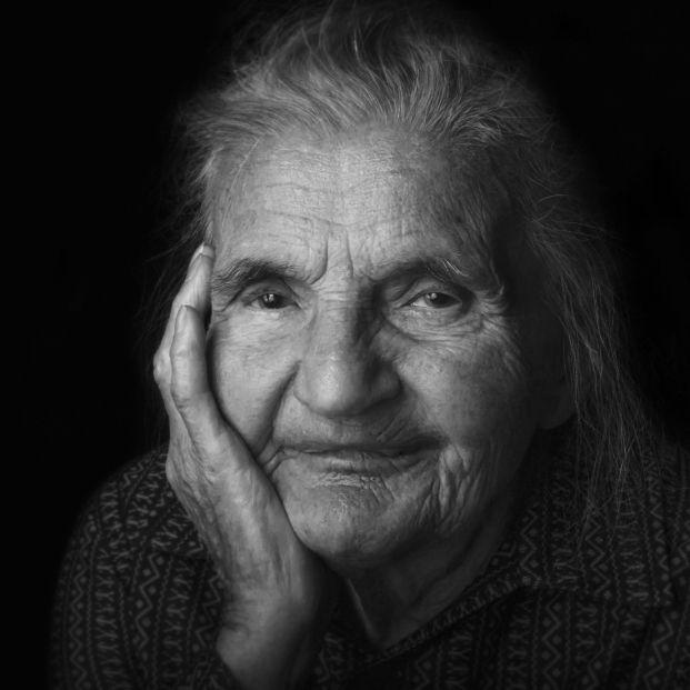 Las 5 lagunas de las ayudas y pensiones relacionadas con los cuidados