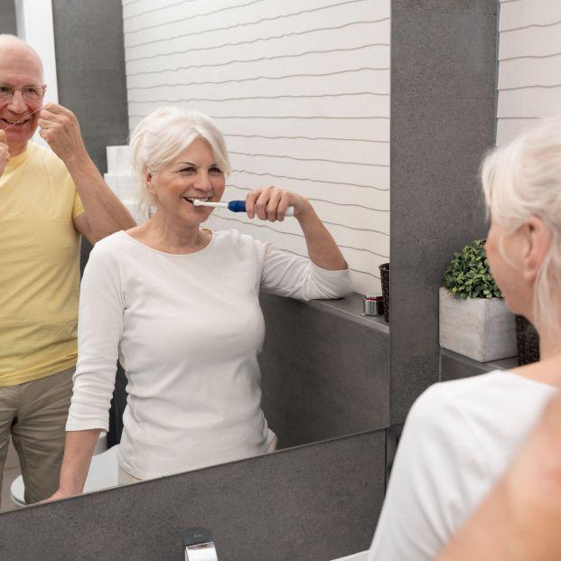 Por qué la salud oral es cada vez más importante al cumplir años
