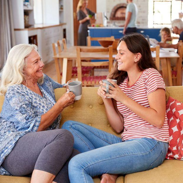 ¿Cómo ven los jóvenes a los mayores?