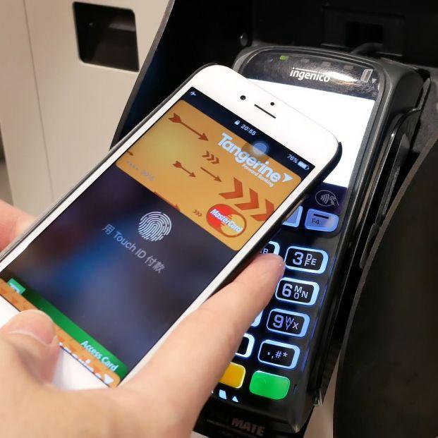 Cómo pagar con tarjeta con tu móvil sin necesidad de llevar la cartera