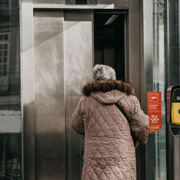 Qué requisitos debe cumplir tu edificio para poder solicitar un ascensor si no lo tiene