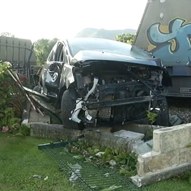 Un tren arrolla un coche en Llanes