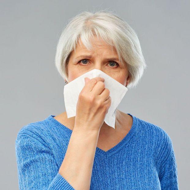 Cuáles son los virus que provocan resfriados en personas mayores