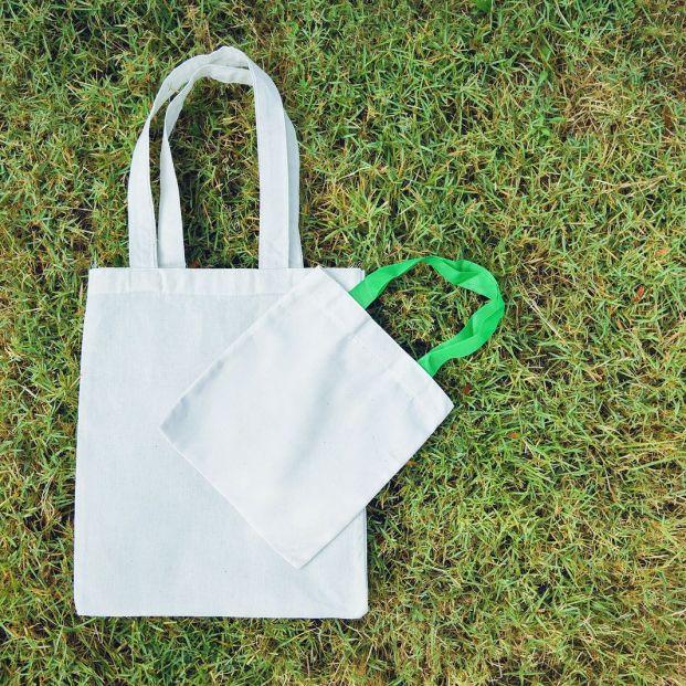 Cómo hacer una bolsa plegable de tela