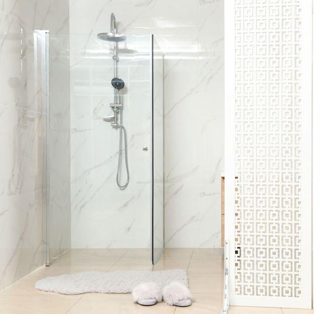 El truco viral de TikTok más sencillo para limpiar la ducha