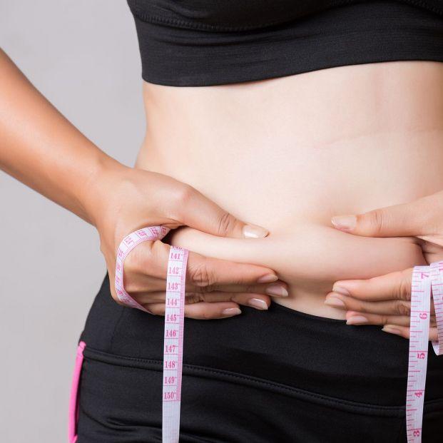 Báscula de bioimpedancia para medir la proporción de grasa corporal
