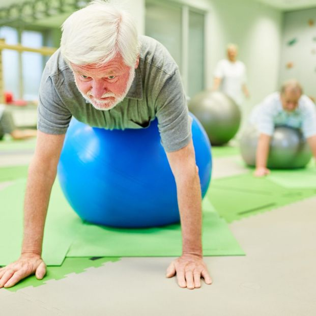 Consejos básicos para que los mayores cuiden su salud articular