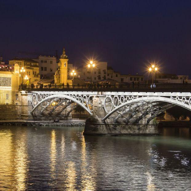 Los puentes mas bonitos de España; Puente de Triana de noche