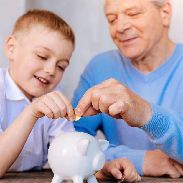 Cómo gestionar la propina que das a tus nietos