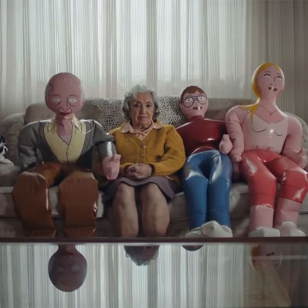 Familias Hinchables: el nuevo spot de Grandes Amigos.