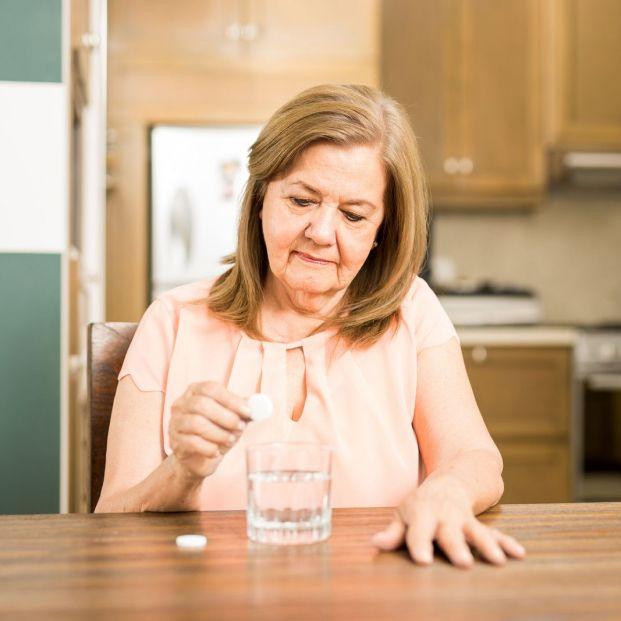 El abuso del almagato por parte de personas mayores puede provocar ciertos daños