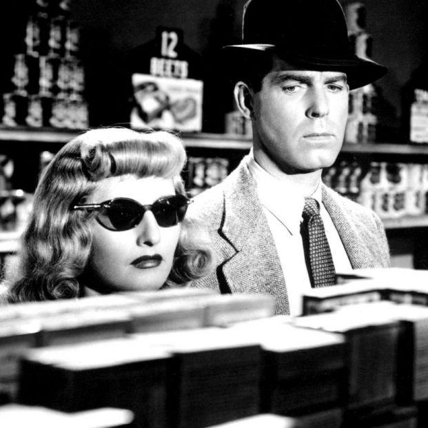 Barbara Stanwyck y Fred MacMurray en 'Perdición', una de las obras cumbres del cine negro clásico