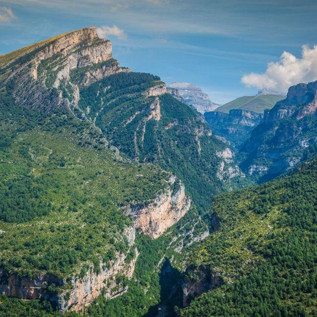 Al sur de Monte Perdido serpentea el cañón del Añisclo, formación natural del Pirineo aragonés