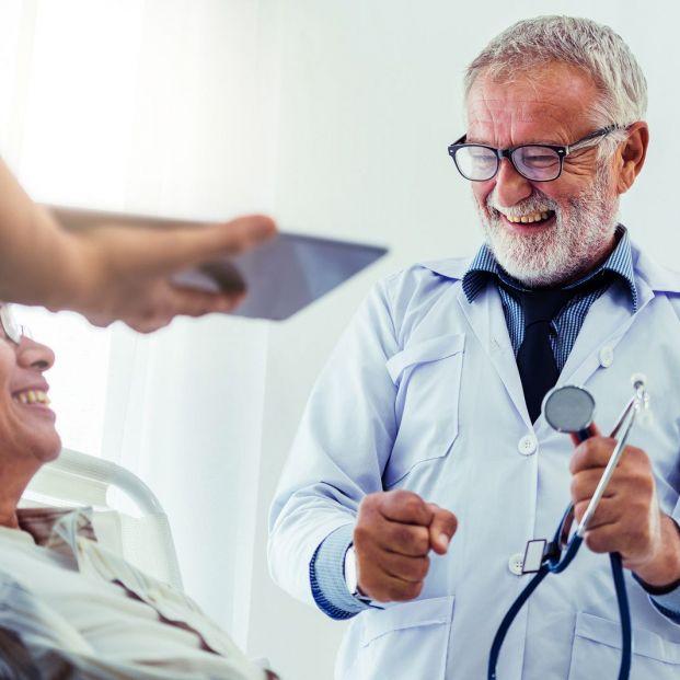 La unión entre pacientes, cuidadores y profesionales resulta clave en el envejecimiento saludable
